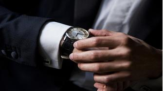 cc850943969 Armbåndsure der matcher dit jakkesæt nytårsaften. AfPriceRunner