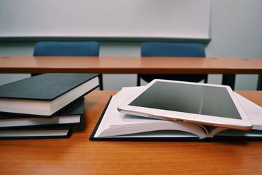 00028041 En tablet i dag kan utroligt mange ting, og markedet udvikler sig  kontstant. Men hvad skal man egentlig kigge efter, når man skal købe ny  tablet?