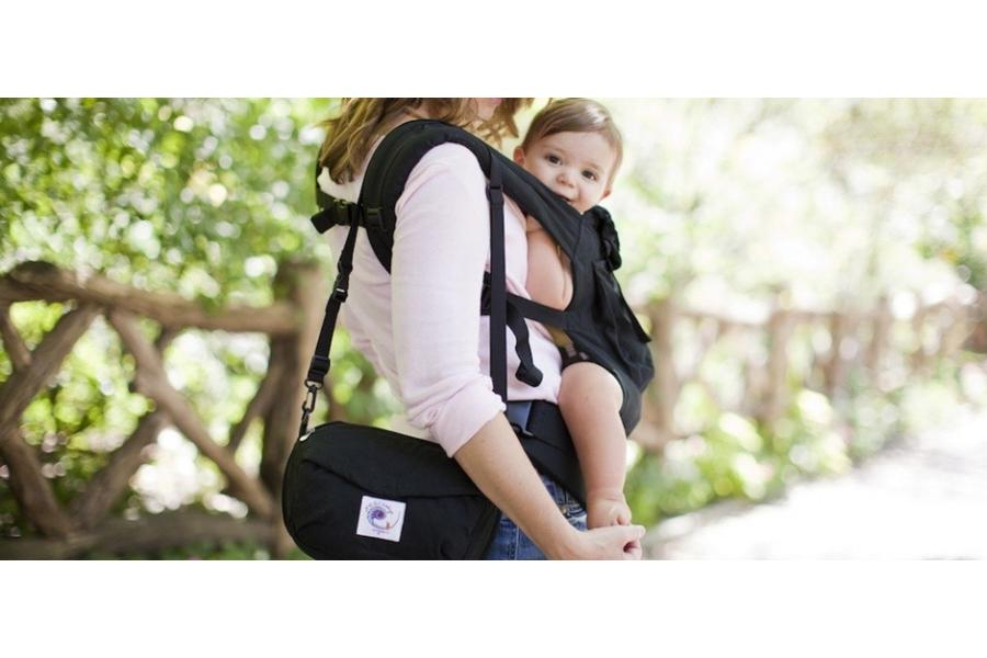 0bb6c50b22f Adapt has a great advantage in that it can be used with newborns without  inserts and that the carrier gives great comfort for the parent.