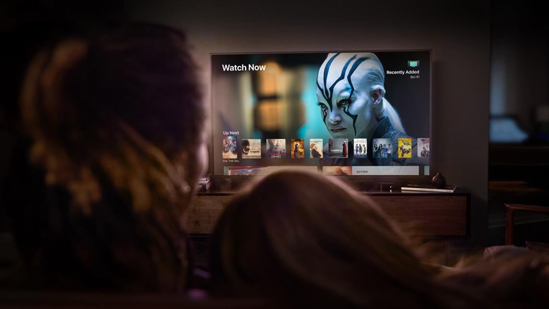 Koppla in ström och bild till Apple TV
