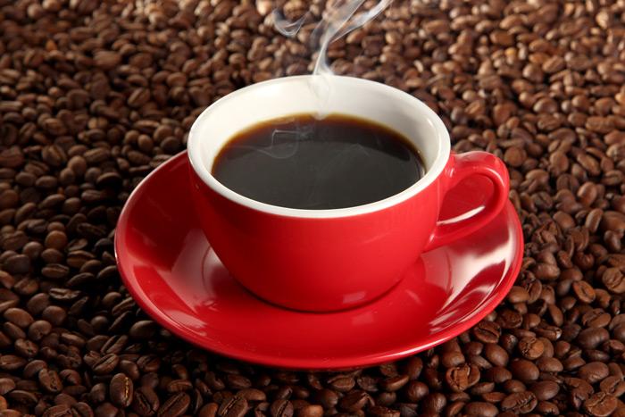 rod-kaffekopp-pa-kaffebonor