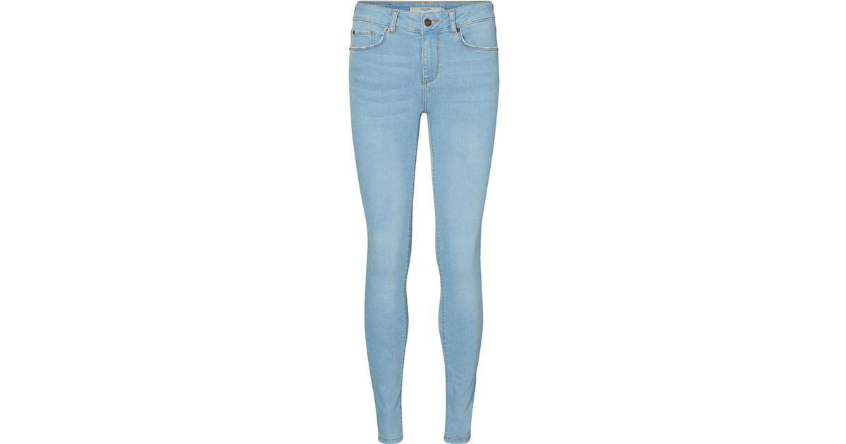 5bb13b4a Vero Moda Lux Nw Skinny Fit Jeans Blue/Medium Blue Denim - Sammenlign  priser hos PriceRunner