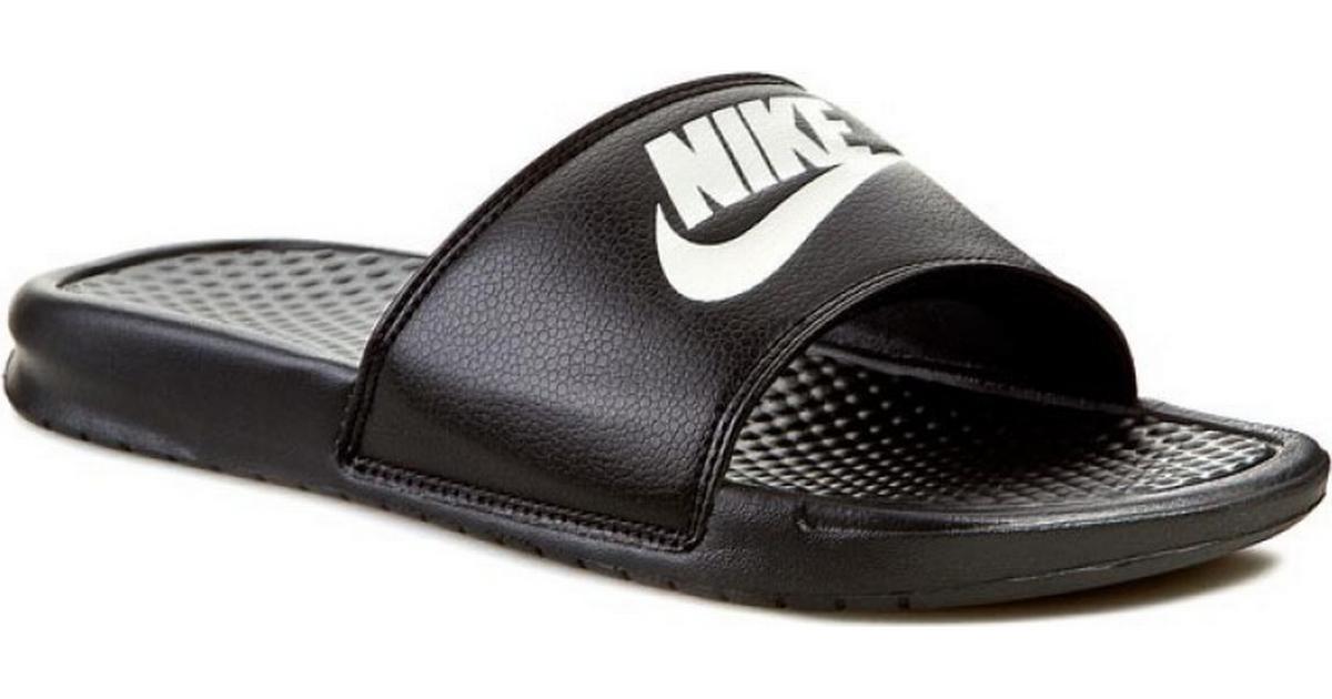 b7a924b3f306 Nike Benassi - Black White - Sammenlign priser hos PriceRunner