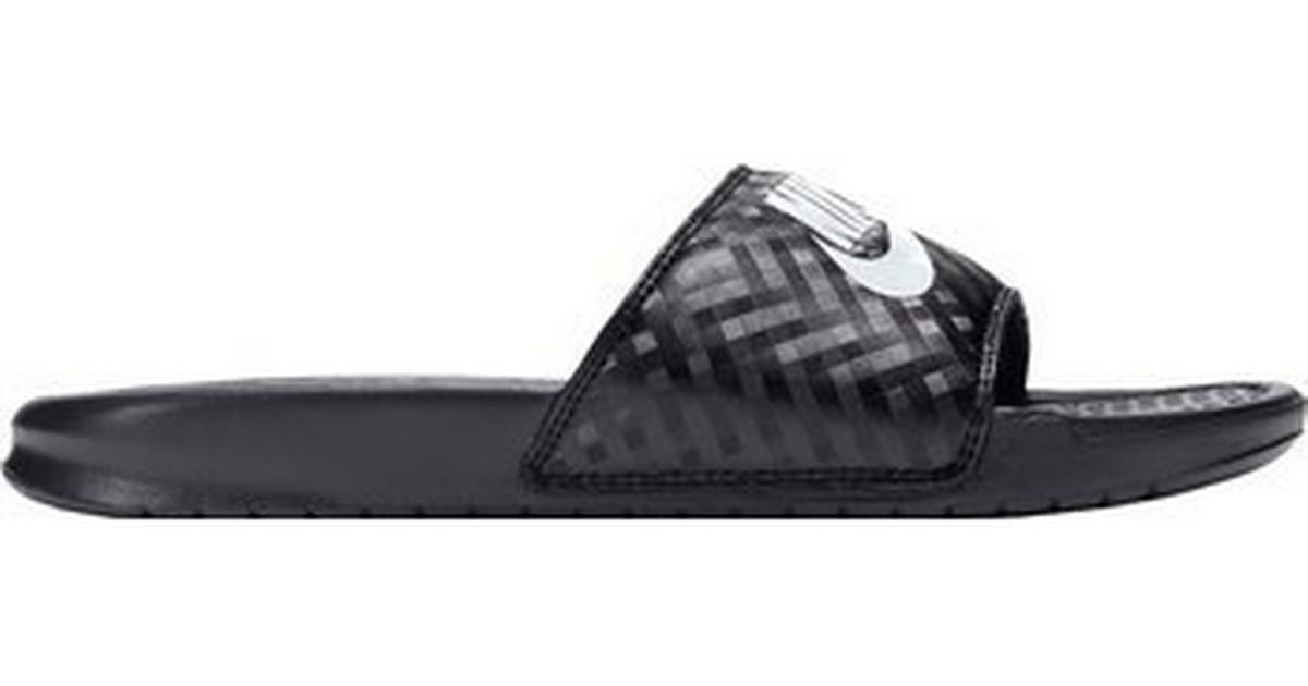release date 83777 d37cb Nike Benassi Jdi - Black White - Hitta bästa pris, recensioner och  produktinfo - PriceRunner