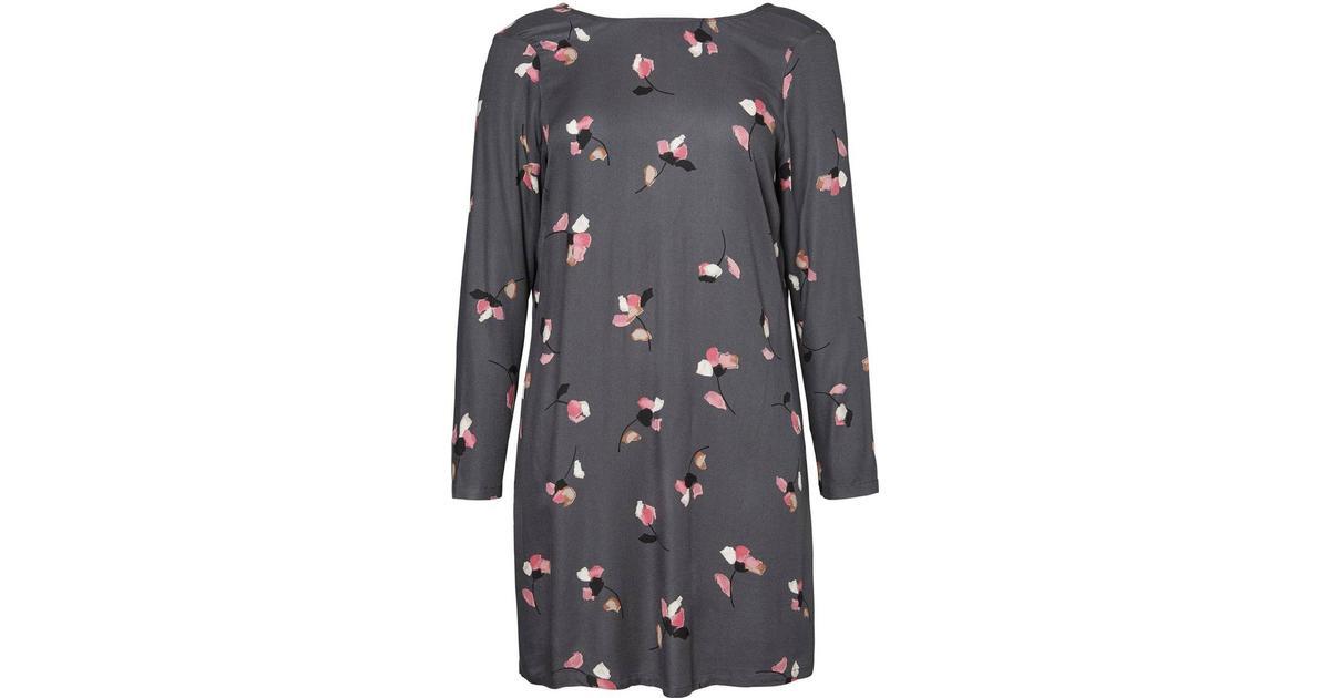a6a02edec705 Junarose Flowered Dress - Blue Turbulence - Sammenlign priser hos  PriceRunner