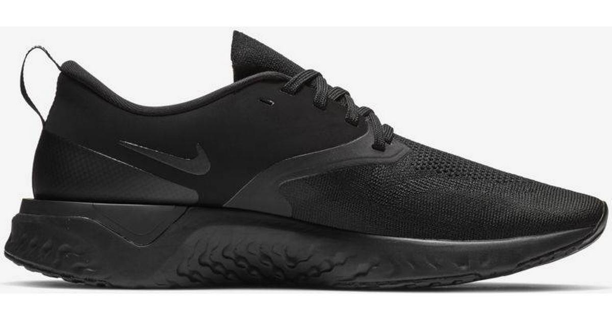 ec4428e72a6 Nike Odyssey React Flyknit 2 - Black/White - Sammenlign priser hos  PriceRunner