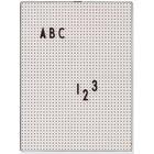 DESIGNLETTERS Design Letters A4 Bokstavstavla - Grå, 6 på lager