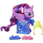 Hasbro My Little Pony Runway Fashions Set with Princess Twilight Sparkle Figure B9623