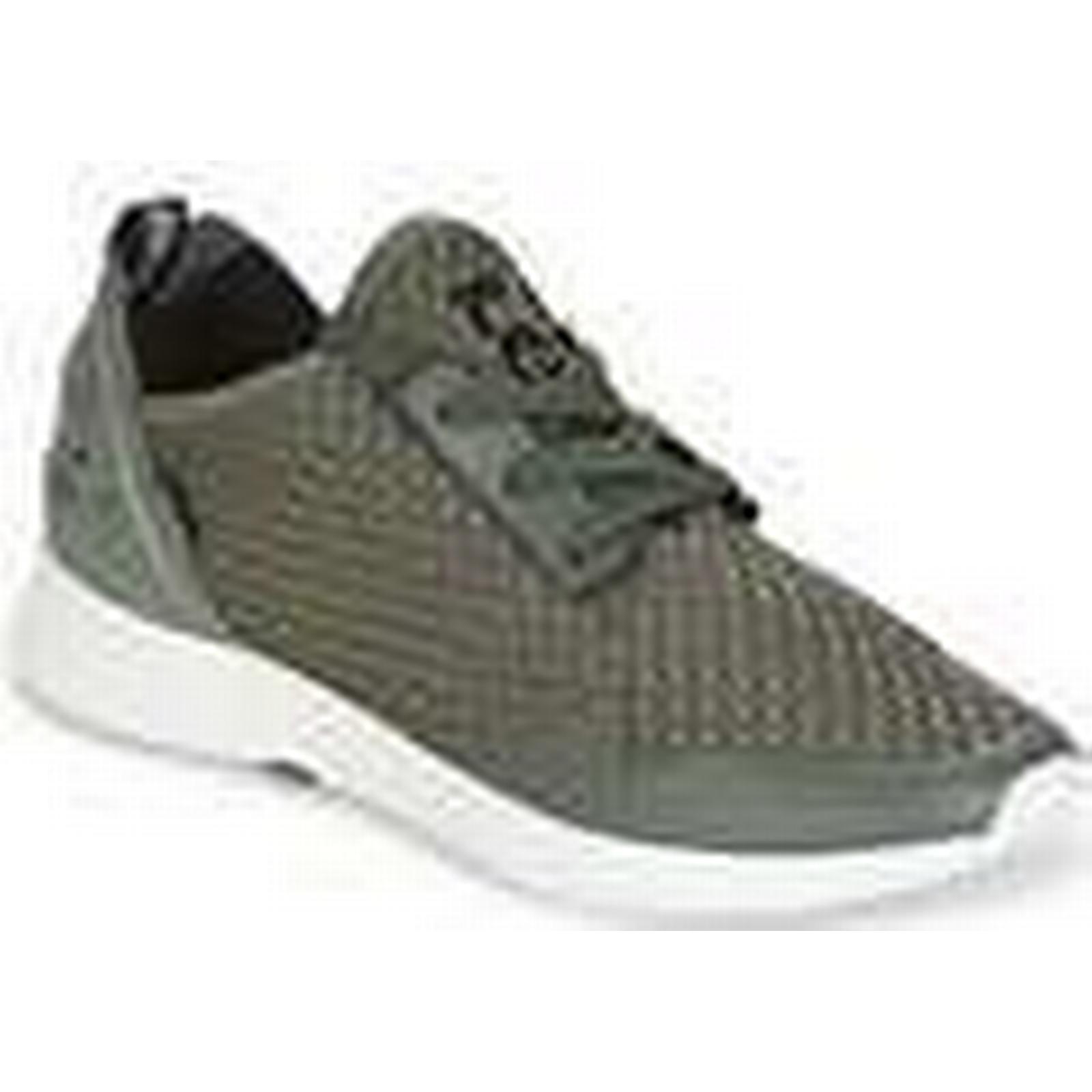 Levis  BLACK TAB SNEAKER  Green men's Shoes (Trainers) in Green  92b5dd