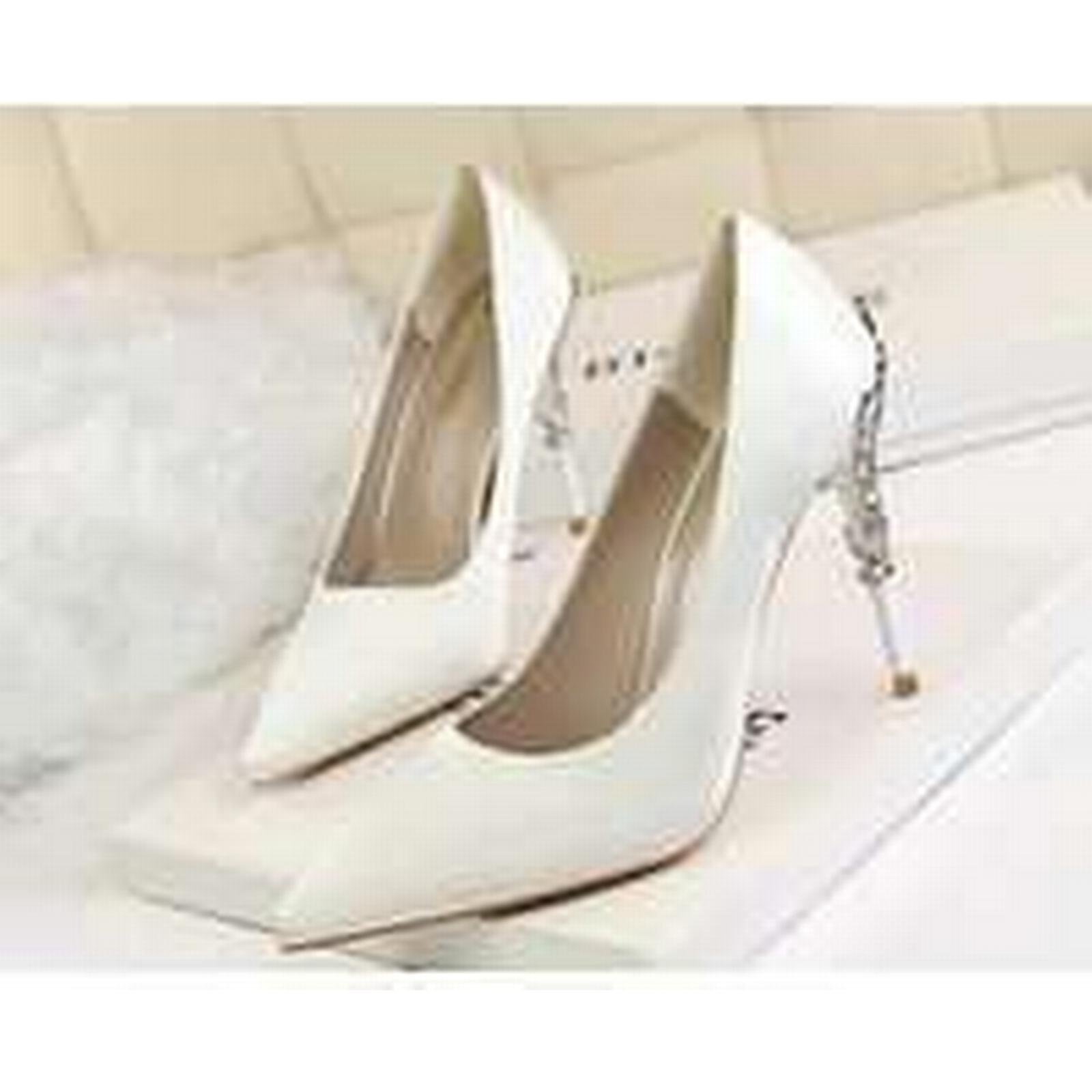 Bonanza (Global) pp338 Excellent pointy pump w 4-8.5, metallic heel,satin surface.US Size 4-8.5, w white 01fa02