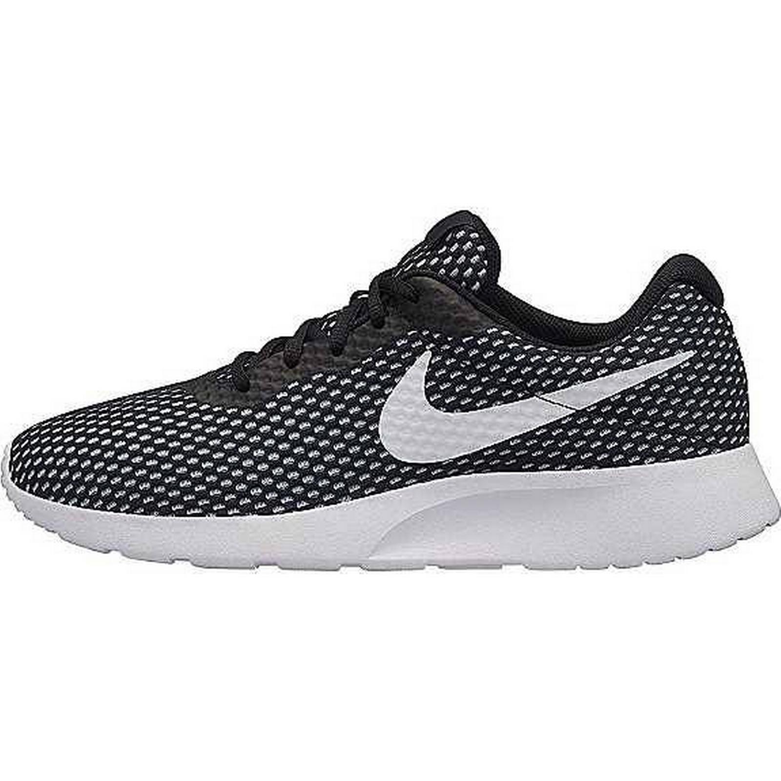 Nike Nike:Men's/Women's:Easy-To-Clean 'Tanjun SE' Trainers by Nike:Men's/Women's:Easy-To-Clean Nike Surface 990ad2