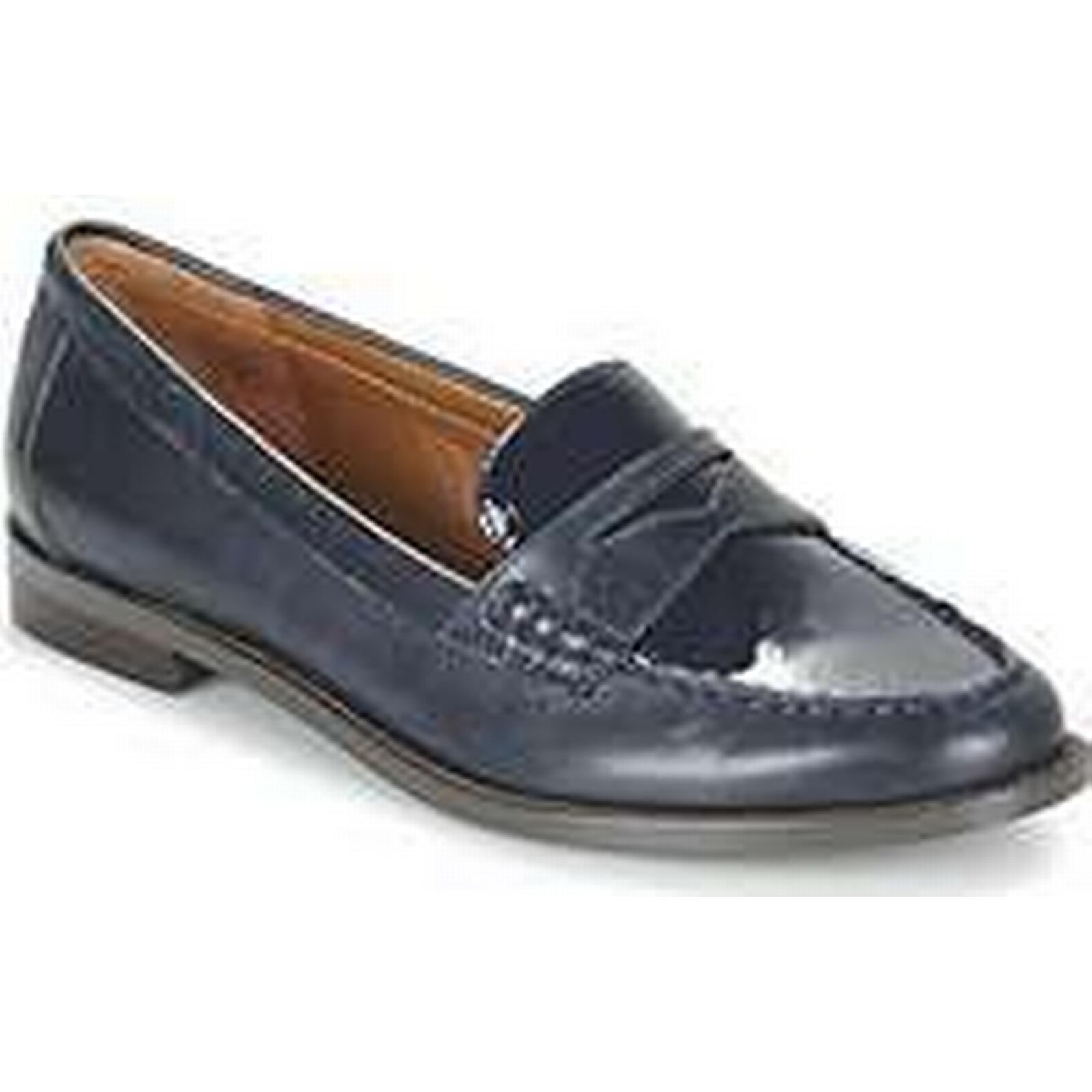 Spartoo.co.uk Lauren Ralph Lauren BARRETT SHOE Casual TAILORED women's Loafers / Casual SHOE Shoes in Blue 899023