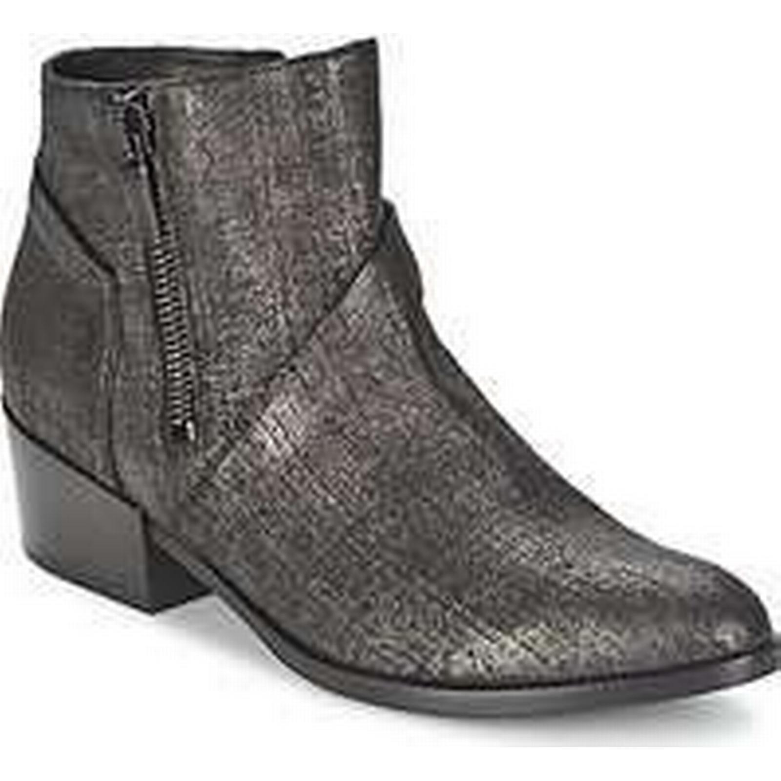 Spartoo.co.uk Janet Janet Boots VILLIA women's Low Ankle Boots Janet in Black f3faee