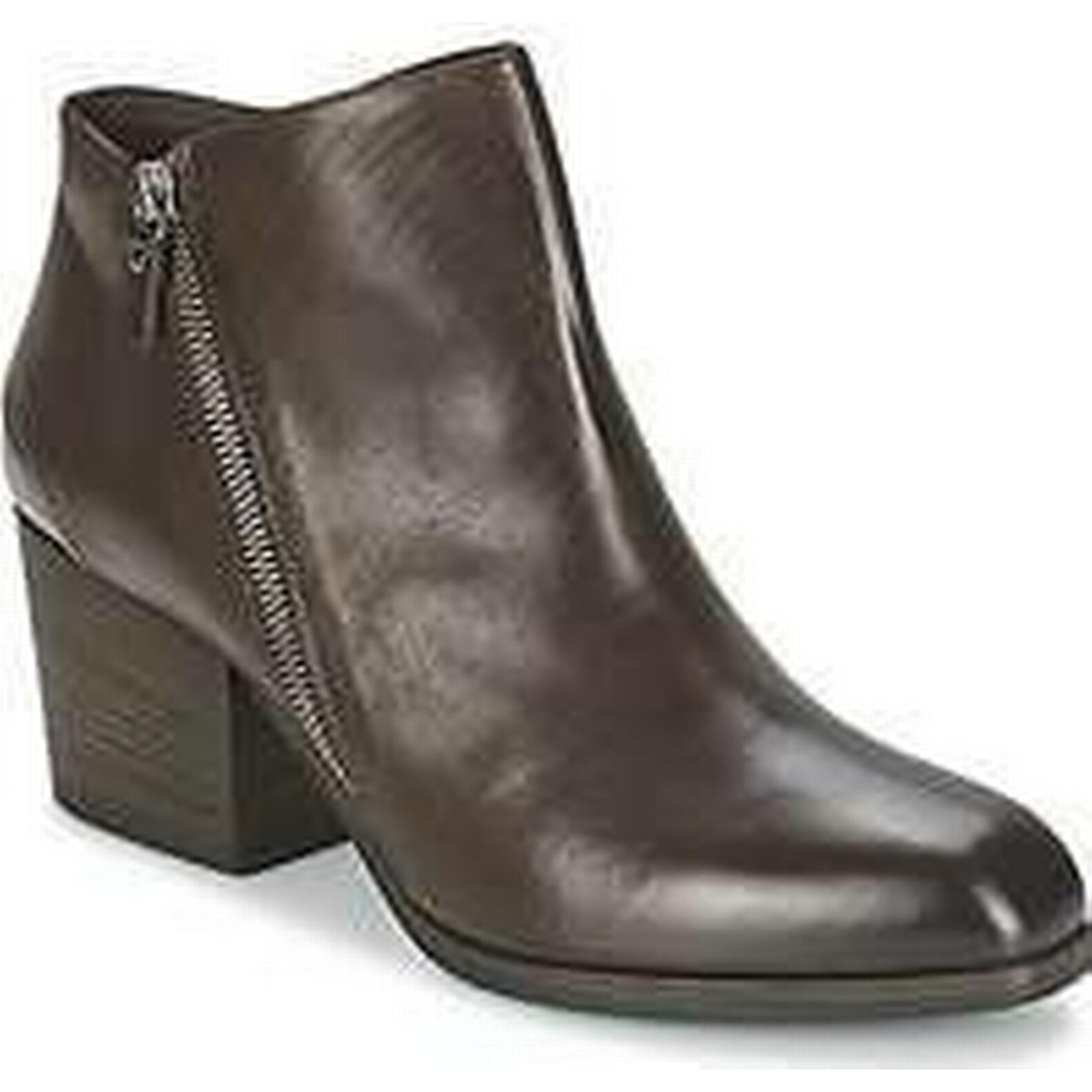 Spartoo.co.uk Vic ASSINOU Boots women's Low Boots ASSINOU in Brown 4e1ce3