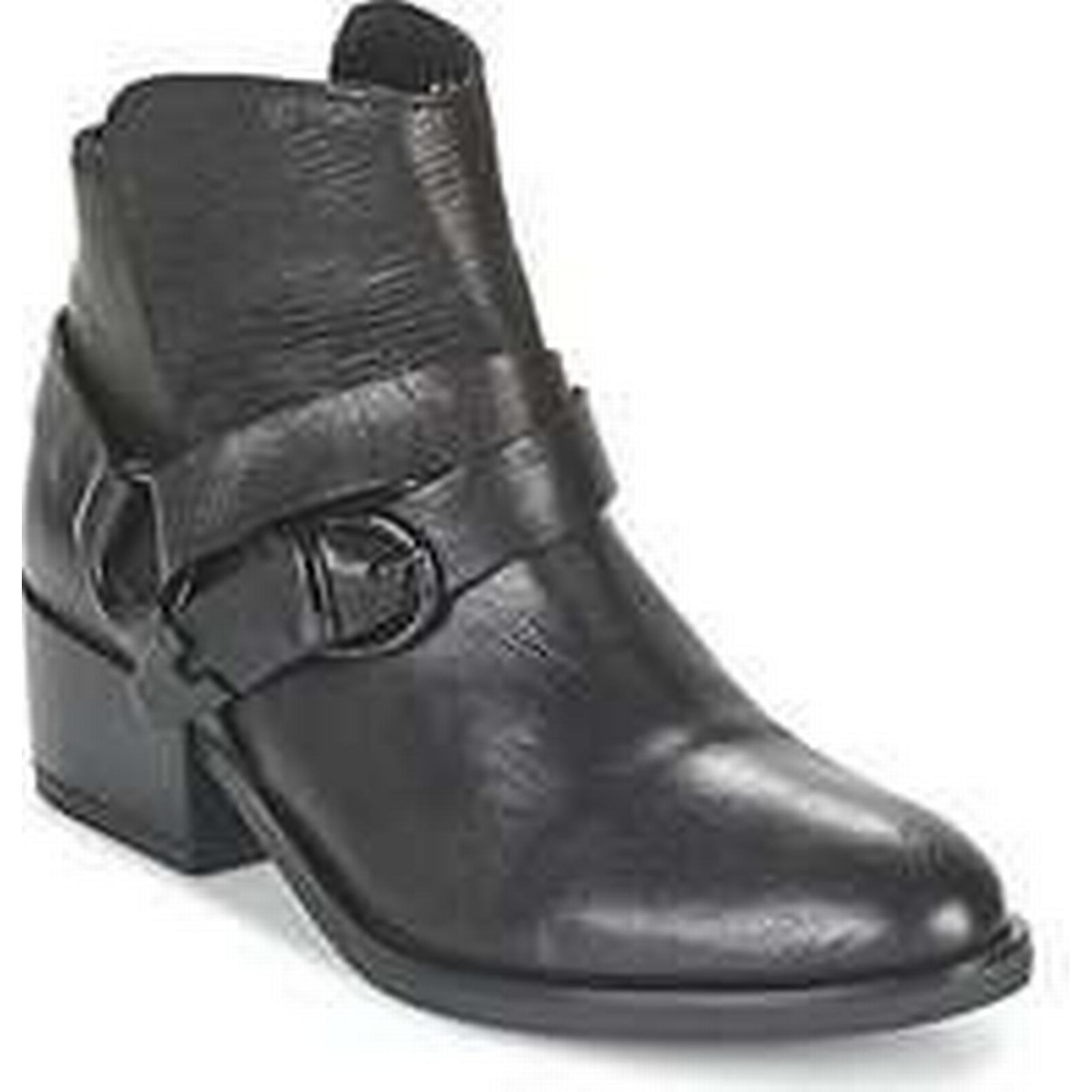 Spartoo.co.uk Low Lola Espeleta VATUM women's Low Spartoo.co.uk Ankle Boots in Black bb9013