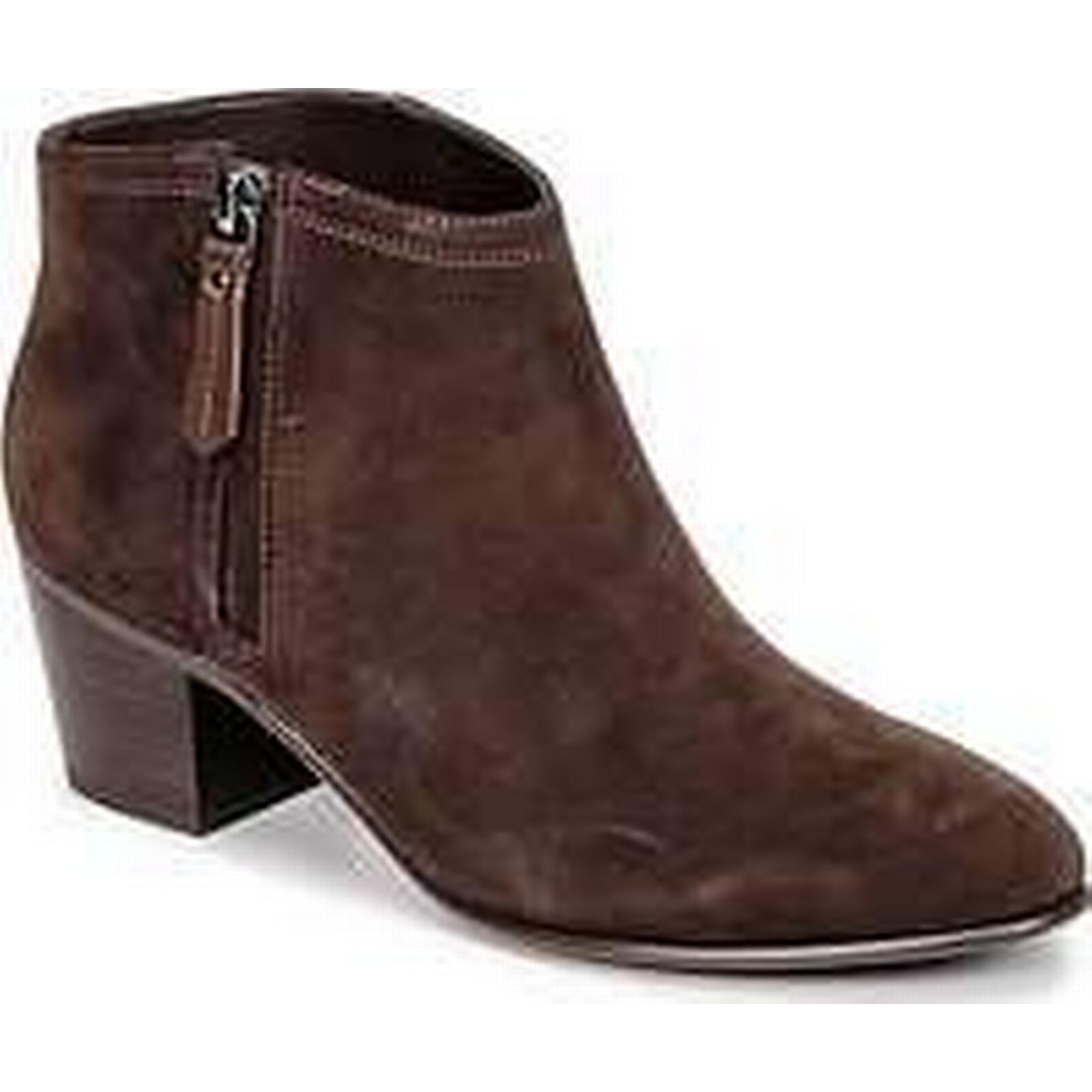 Spartoo.co.uk Clarks MAYPEARL ALICE in women's Low Ankle Boots in ALICE Brown c18687