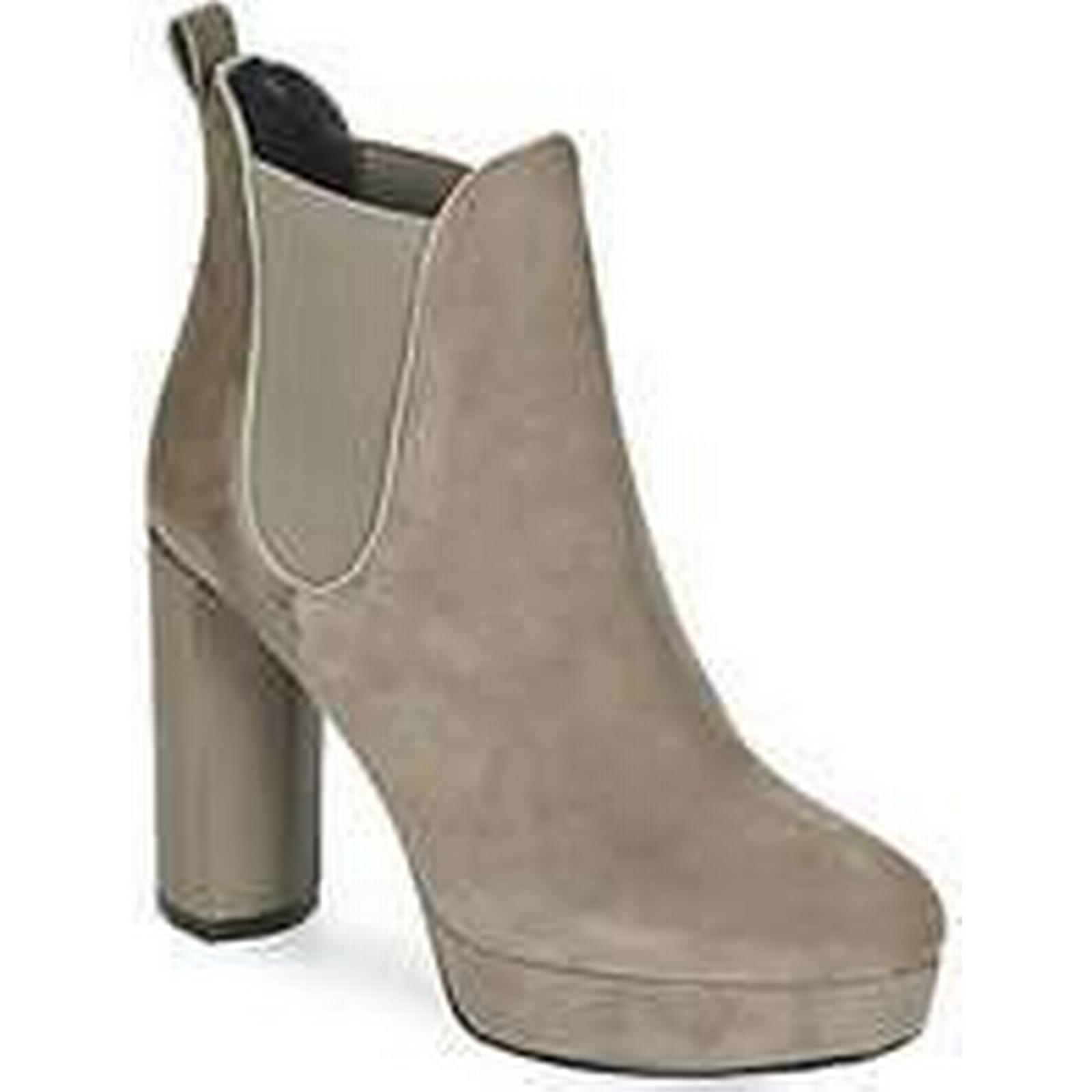 Spartoo.co.uk Luciano Barachini MILI in women's Low Ankle Boots in MILI Beige e59269
