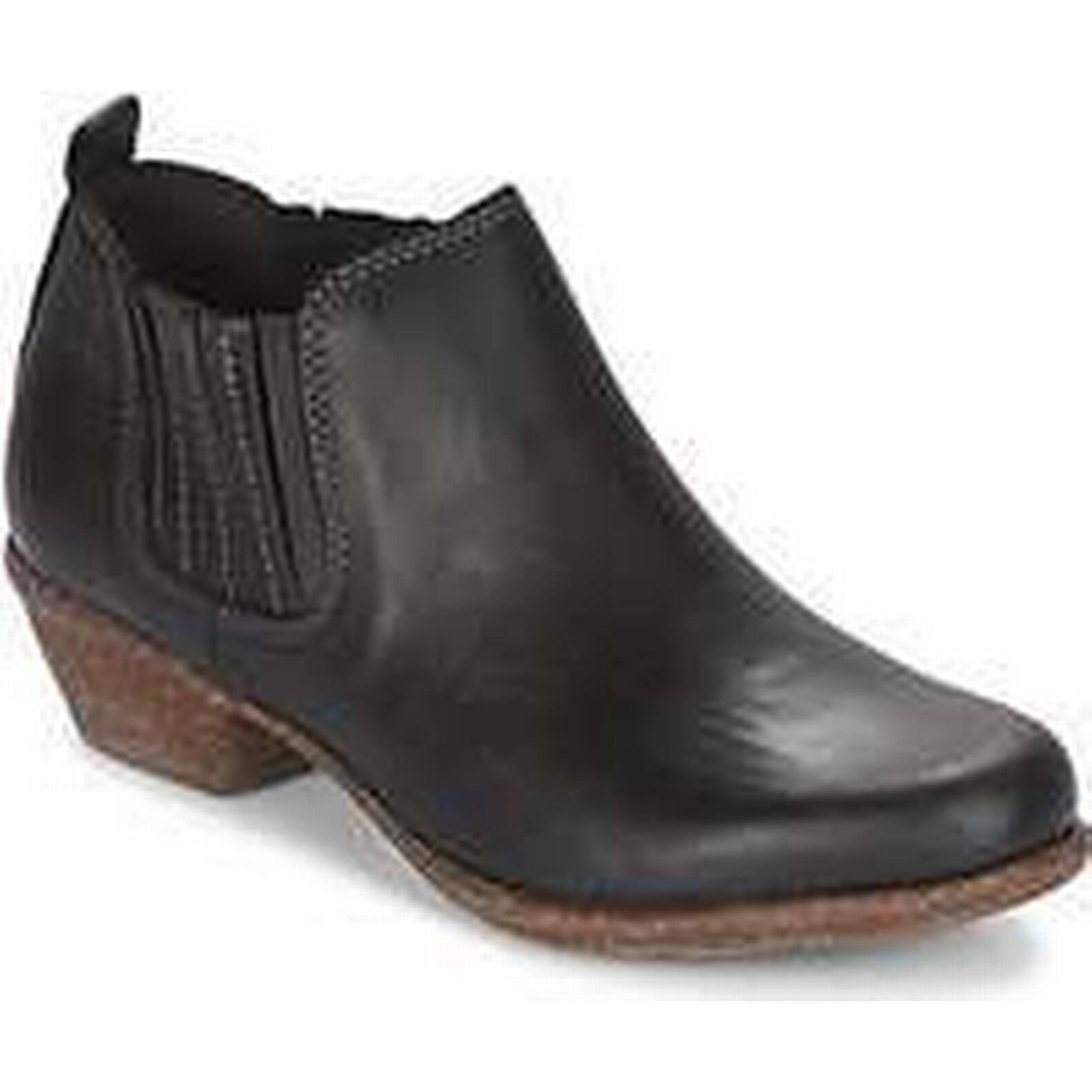 Spartoo.co.uk Clarks WILROSE Boots JADE women's Mid Boots WILROSE in Black 2ec4ba
