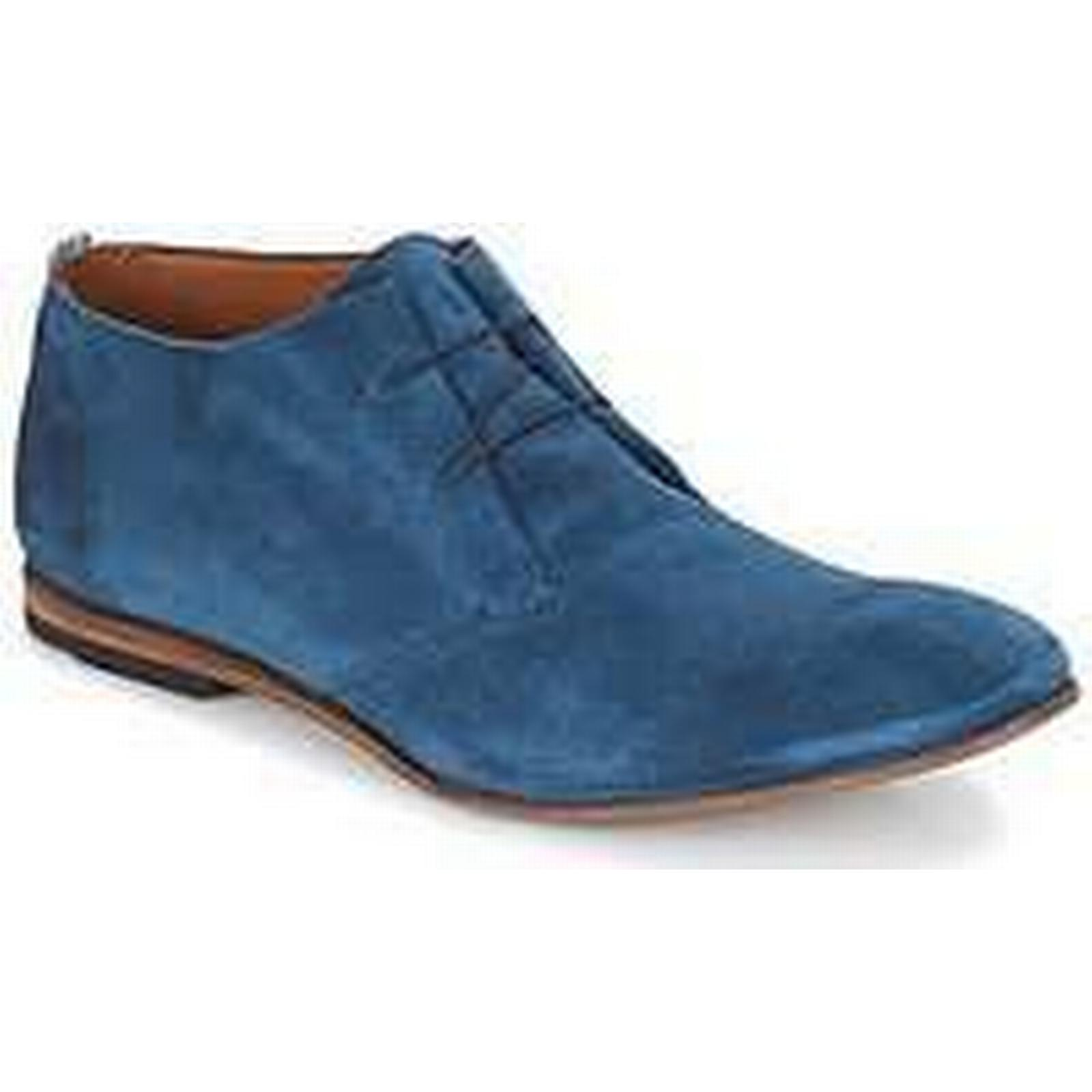 Spartoo.co.uk Lloyd in SARONA men's Casual Shoes in Lloyd Blue b0d456