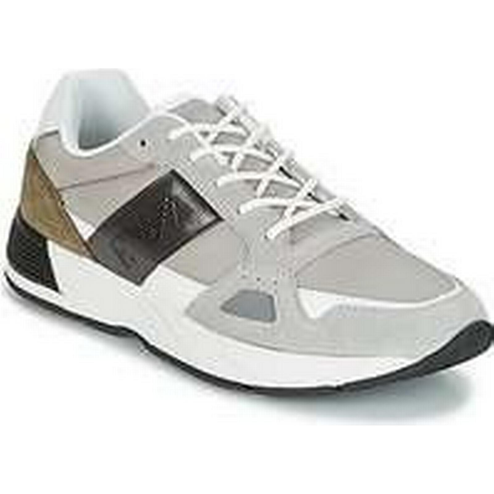 Spartoo.co.uk Emporio Armani in AUGUSTINO men's Shoes (Trainers) in Armani Grey aee8a6