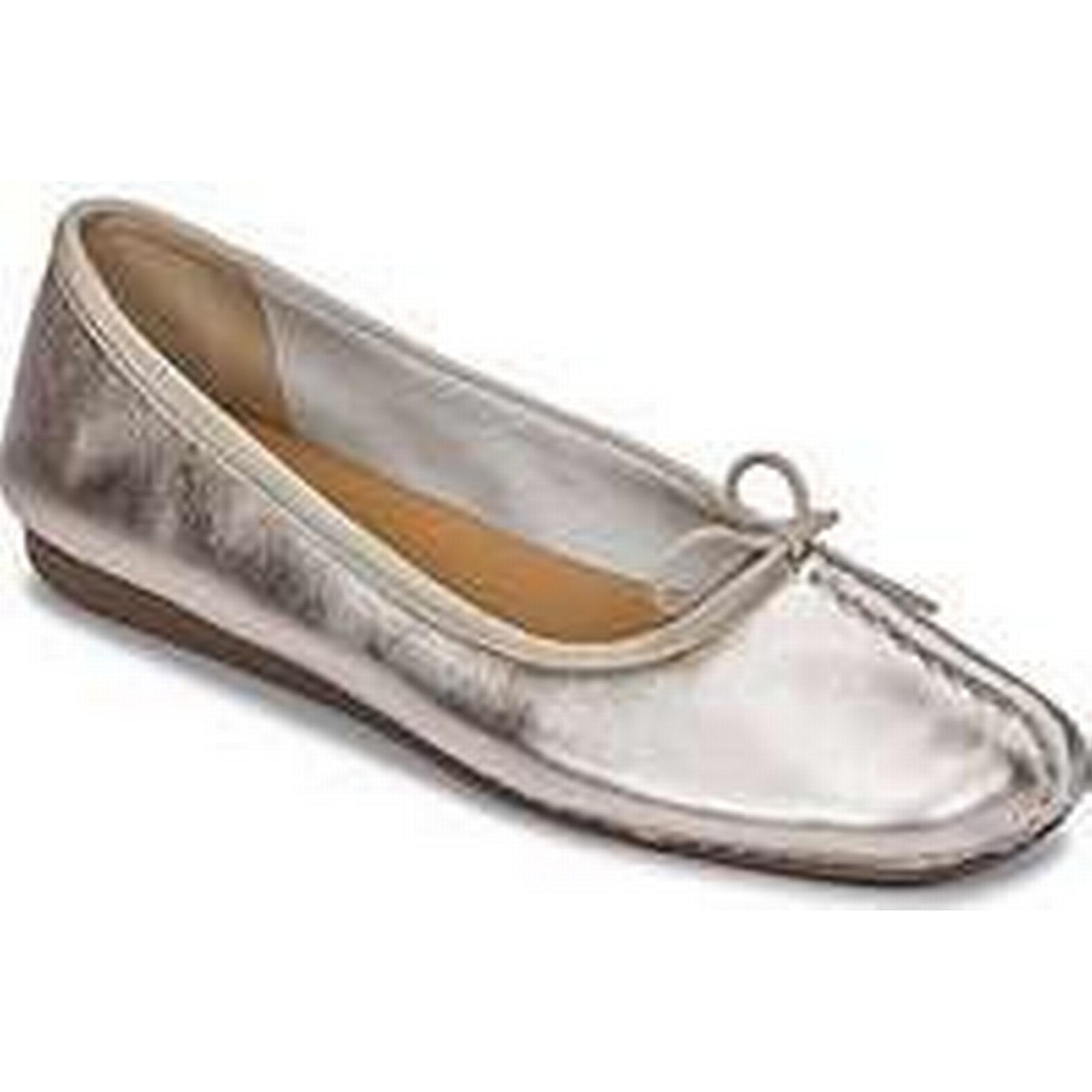 Spartoo.co.uk Clarks FRECKLE / ICE women's Shoes (Pumps / FRECKLE Ballerinas) in Silver 3a55a7