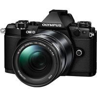 Olympus E-M5 Mark II + 14-150mm