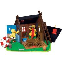 DR Teddy House in wood with figures