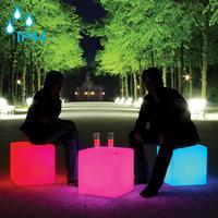 Cube LED ACCU Outdoor - Innovatives Sitzmöbel, Tisch und Dekorationsobjekt