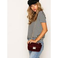 NLY Accessories Quilted Chain Bag Axelremsväskor Burgundy