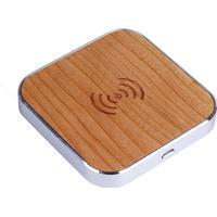 Universal Trådløs QI Lader I Træ Til Bl.a. iPhone og Samsung - Beige