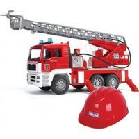 Bruder, MAN TGA, Brandbil med vattenpump och brandhjälm