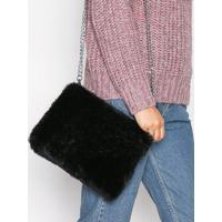 NLY Accessories Faux Fur Chain Bag Axelremsväskor Svart