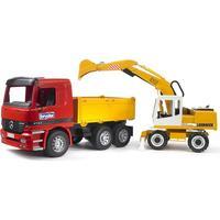 Bruder Mercedes-Benz, Lastbil med tippflak och Liebherr grävmaskin 2-4 år
