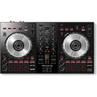 Pioneer DDJ-SB3 DJ-kontroll, utvecklad av DJ Jazzy Jeff, 4-deckskontroll, FX Fade- & Pad Scratch-funktioner, med Serato DJ Lite mjukvara. Mixa låtar med FX Fade, experimentera med scratch utan att rör