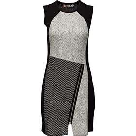 18fa71f56055 Desigual kjoler Dametøj - Sammenlign priser hos PriceRunner