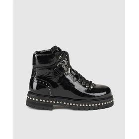 Lola Cruz women's patent leather ankle boots with buckles, Black.
