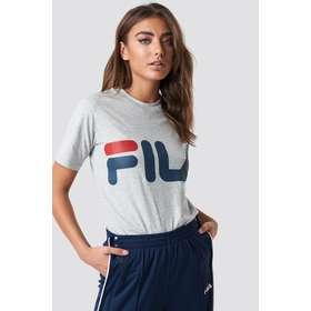 321fd2d1 Fila tshirt dame Dametøj - Sammenlign priser hos PriceRunner