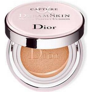 DIOR Gesicht Grundierung Capture Dreamskin Moist & Perfect Cushion SPF 50 - PA+++ Nr. 025 30 ml