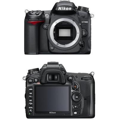 Nikon D7000 + 18-105mm VR