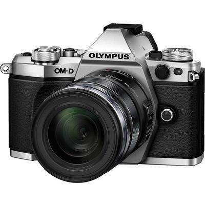 Olympus E-M5 Mark II + 12-50mm