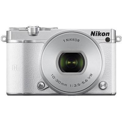 Nikon 1 J5 + 10-30mm VR