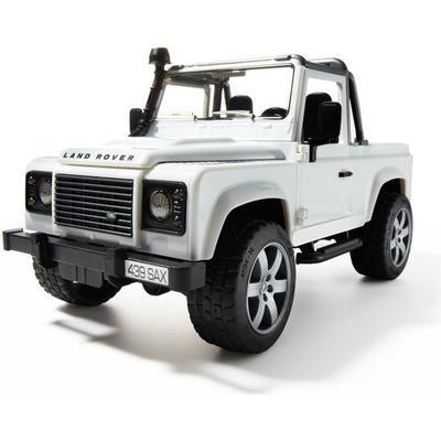 Bruder Land Rover Defender Pick Up 02591