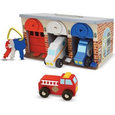 Melissa & Doug Lock & Roll Rescue Truck Garage