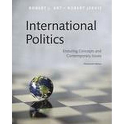 International Politics (Häftad, 2016)