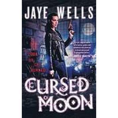 Cursed Moon (Häftad, 2014)