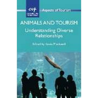 Animals and Tourism (Häftad, 2015)