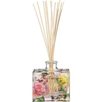 Yankee Candle Signature Reed Diffuser Fresh Cut Roses 88ml