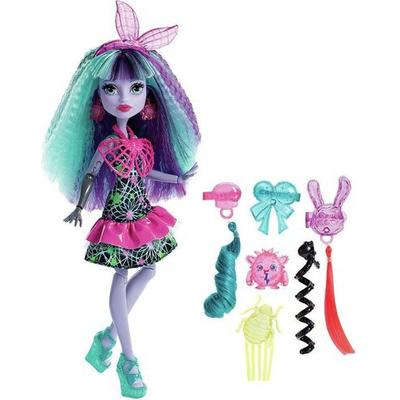 Mattel Monster High Electrified Monstrous Hair Ghouls Twyla Doll