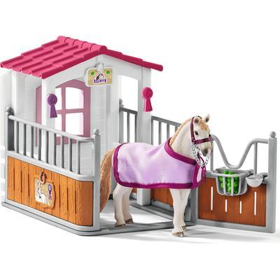 Schleich Horse Box with Lusitano Mare 42368