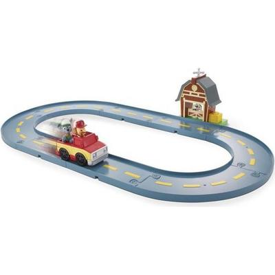 Spin Master Paw Patrol Roll Patrol Rocky's Barn Rescue Track Set